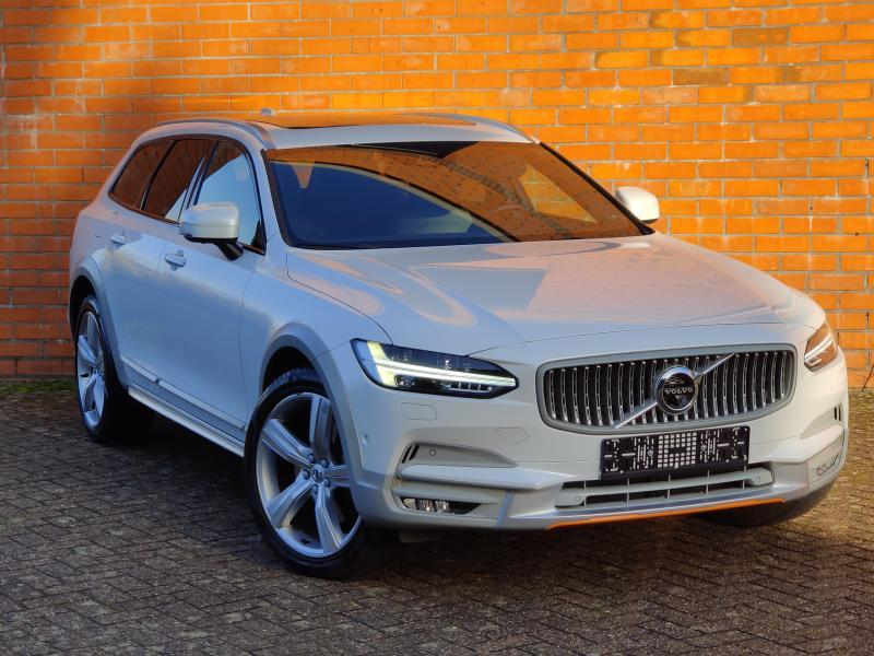 Volvo-V90 Cross Country